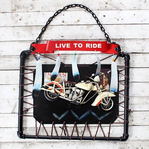 Декор на стену «Live to ride»