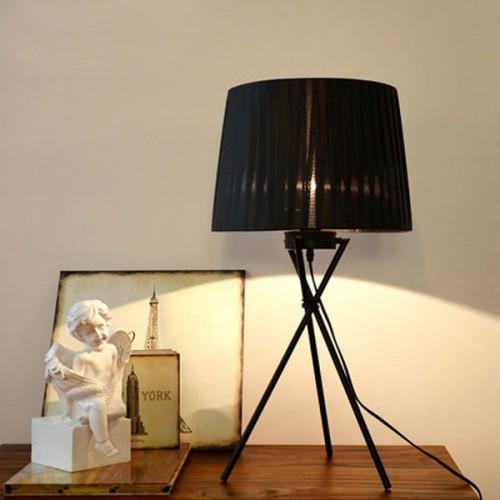 Дизайнерская настольная лампа ДЛ-007