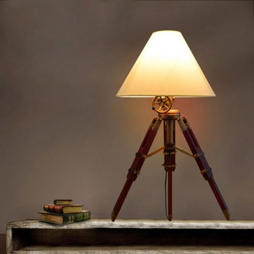 Дизайнерская настольная лампа ДЛ-008