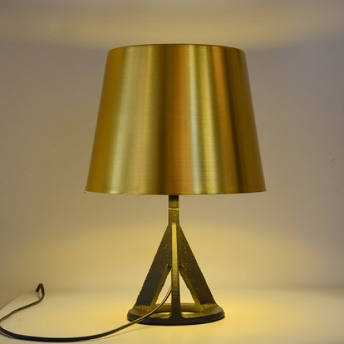 Дизайнерская настольная лампа ДЛ-019