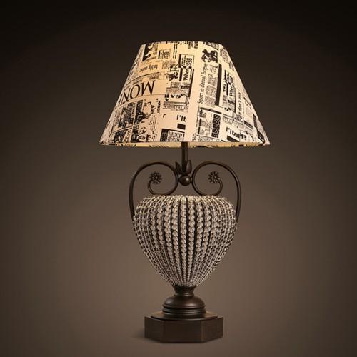 Дизайнерская настольная лампа ДЛ-042