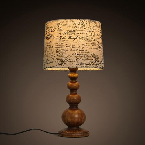 Дизайнерская настольная лампа ДЛ-047