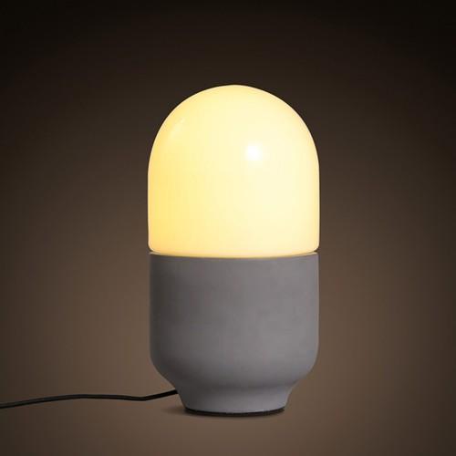 Дизайнерская настольная лампа ДЛ-050
