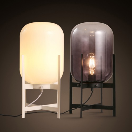 Дизайнерская настольная лампа ДЛ-052