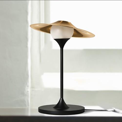 Дизайнерская настольная лампа ДЛ-057