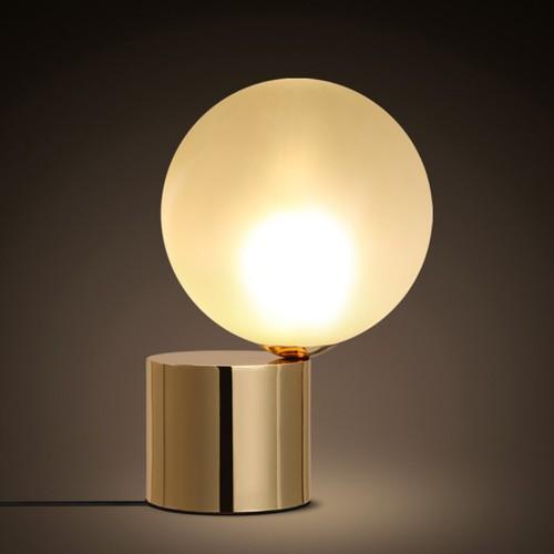 Дизайнерская настольная лампа ДЛ-082
