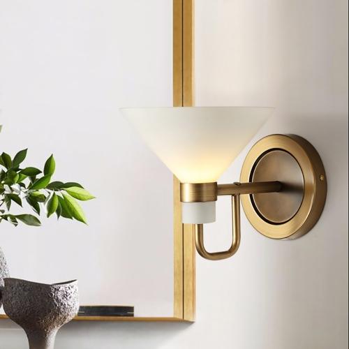 Lap Brass Wall 4
