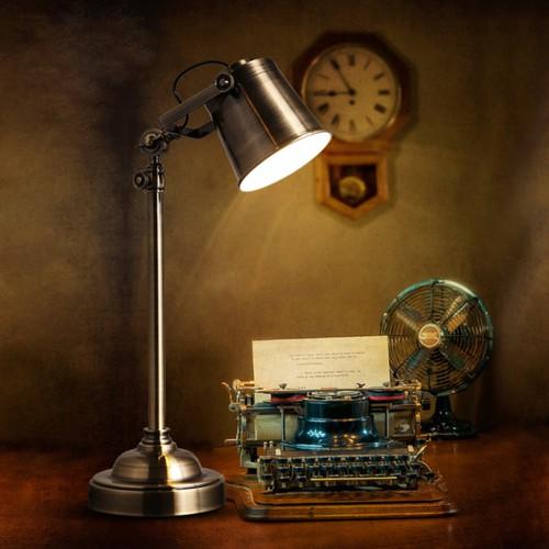 Дизайнерская настольная лампа НЛ-032
