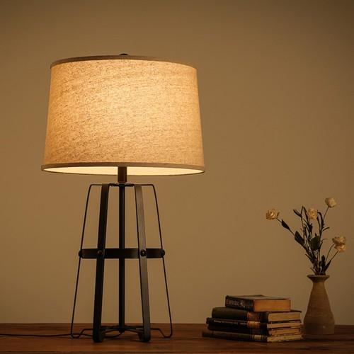 Дизайнерская настольная лампа НЛ-039
