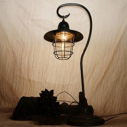 Дизайнерская настольная лампа НЛ-027