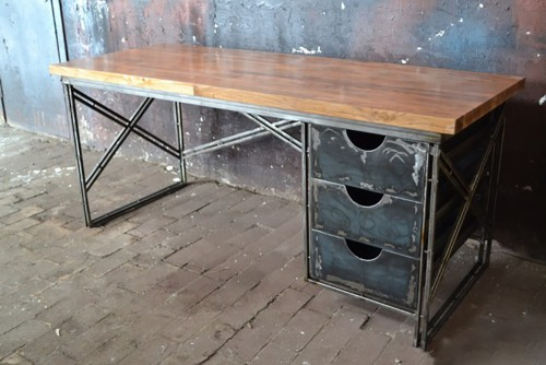 Письменный стол МС-210